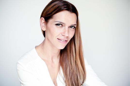 Morina Mail: Weiblichkeit-leben